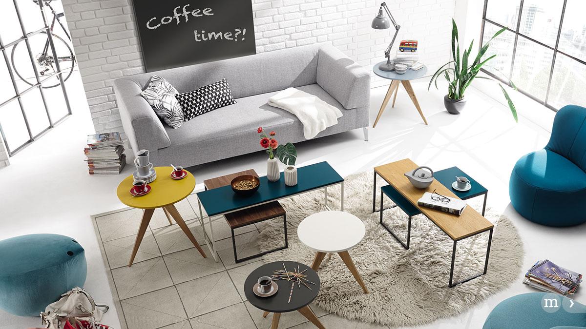 beistelltische schaffen ordnung und atmosph re zurbr ggen magazin. Black Bedroom Furniture Sets. Home Design Ideas